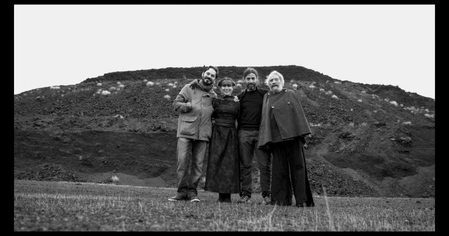 the-man-of-trees-troupe-e-cast-film-foto-Tore-Manca-1x